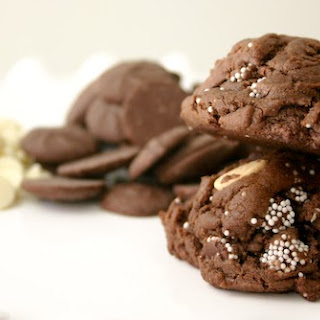 Triple Chocolate Cake Batter Cookies {With Snowcaps!}