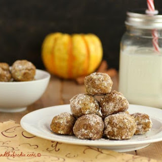Pumpkin Pie Snowball Cookies