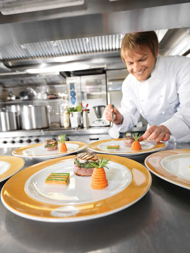 Lindblad-Expeditions-Sea-Cloud-Chef.jpg - Indulge in meals with fresh ingredients prepared by Sea Cloud's master chefs.