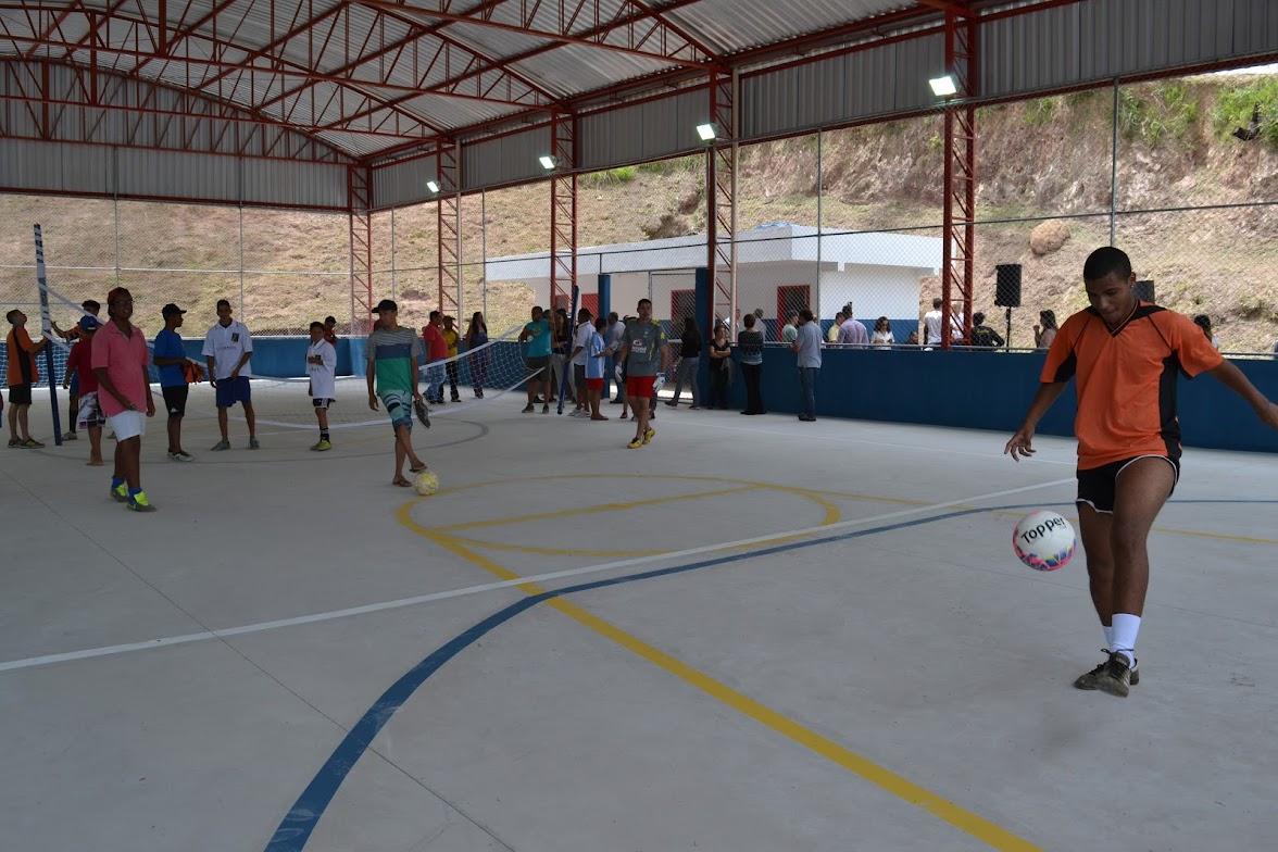 Prefeitura entrega mais um equipamento esportivo à população