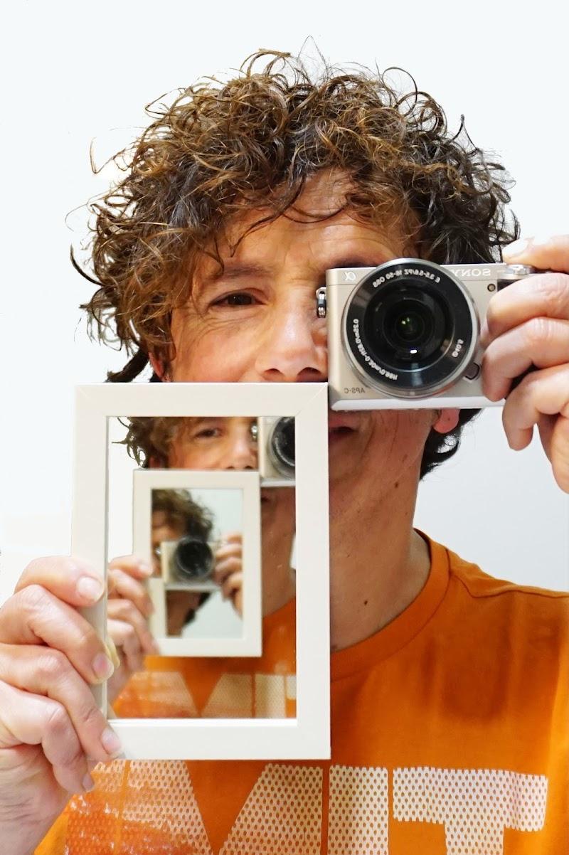 lo specchio nello specchio... di lorenzo_raccagni