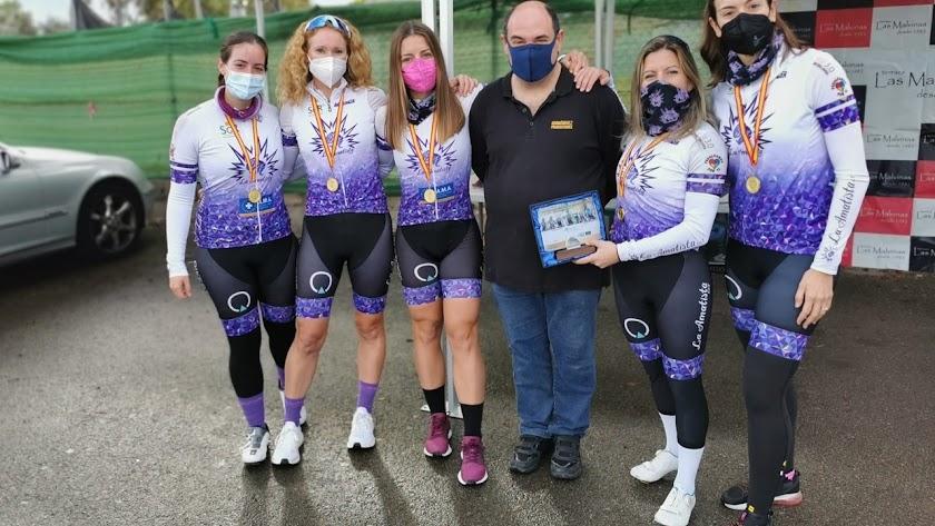 El equipo La Amatista en la Carrera del Puerto.