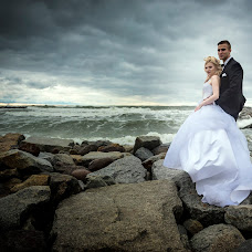 Wedding photographer Tomek Aniuksztys (aniuksztys). Photo of 05.02.2018