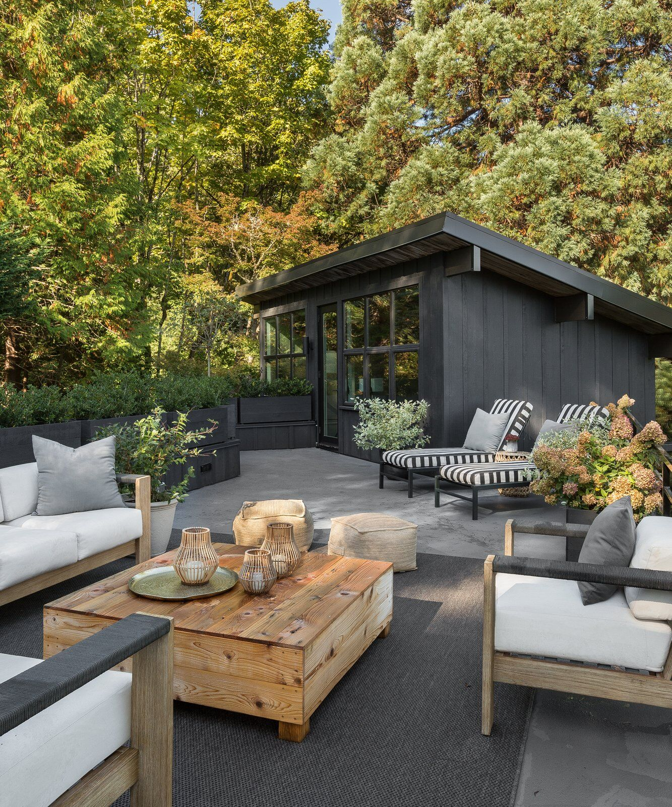 outdoor furniture with layers and texture for entertaining in north atlanta tara fust design
