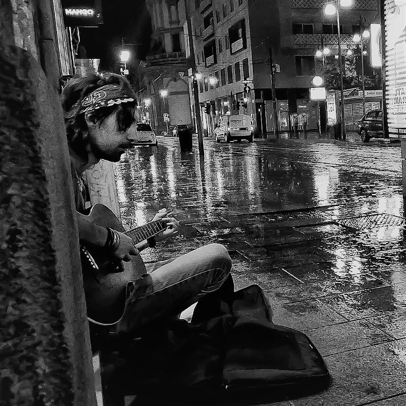 La pioggia no... di ZERRUSO