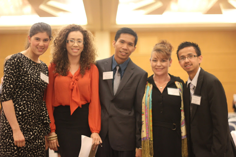 Photo: with the delegate of UAE from University of Nevada, delegate of Thailand from California State University, delegate of Japan from Mesa Community College, and delegate of India from Arizona State University