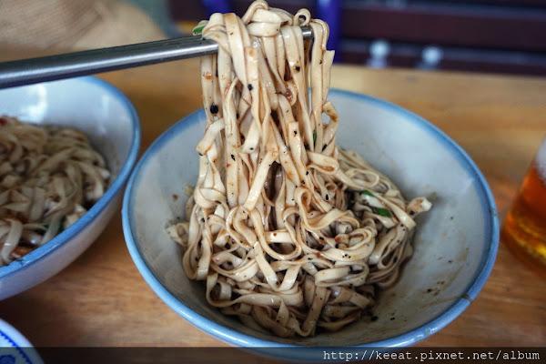 乾麵、麻醬麵味道都很特別的古早味麵店-阿茂麵攤@頭城老街@頭城車站