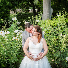 Wedding photographer Gaëlle Poupon-Troin (he13f0). Photo of 13.04.2019