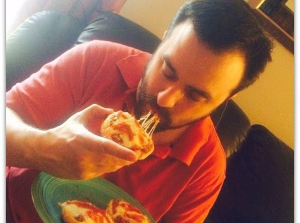 Enjoy your cheesy pizza burgers just my like husband Anthony does.