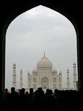 Photo: Ensimmäinen näkymä Taj Mahalin mausoleumiin