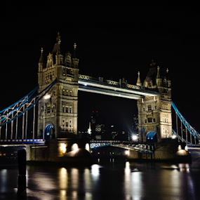 Tower Bridge by Charel Schreuder - Buildings & Architecture Bridges & Suspended Structures ( uk, london, night scene, tower bridge, united kingdom,  )
