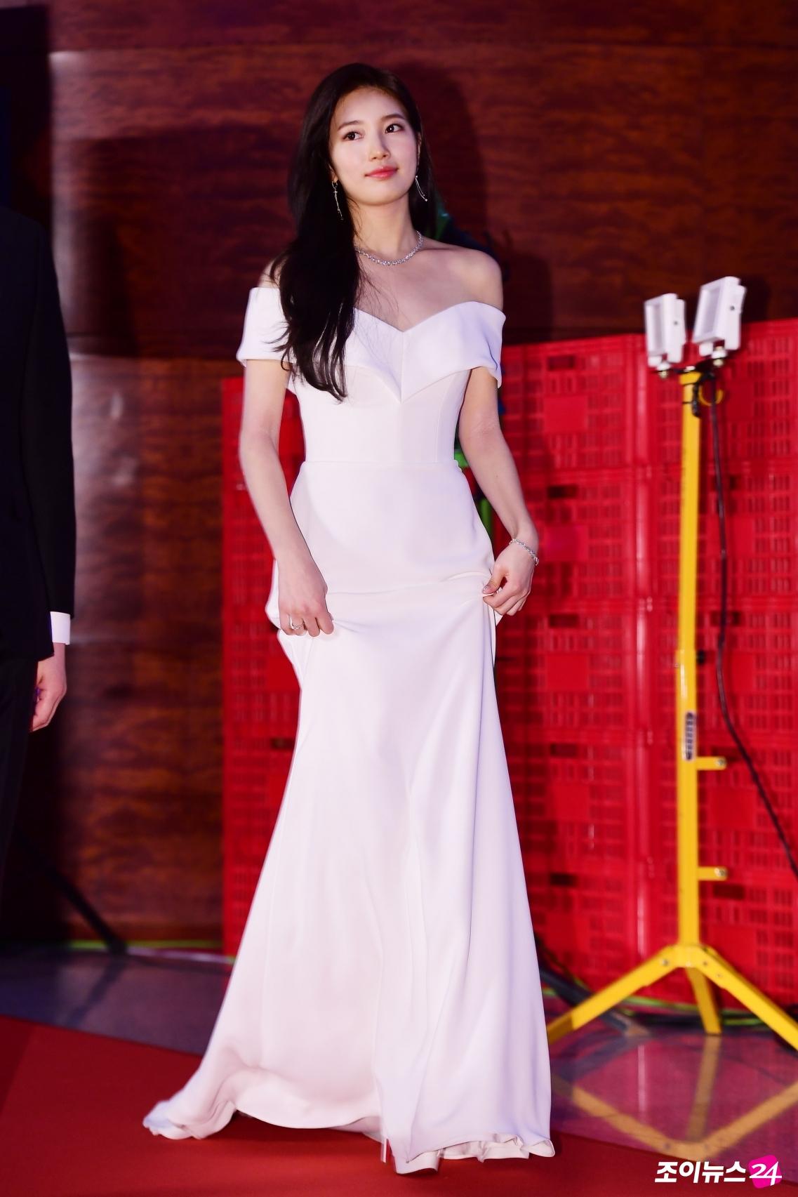 807f1458fe4 15 Best Dressed Idols At The 54th Baeksang Arts Awards Red Carpet