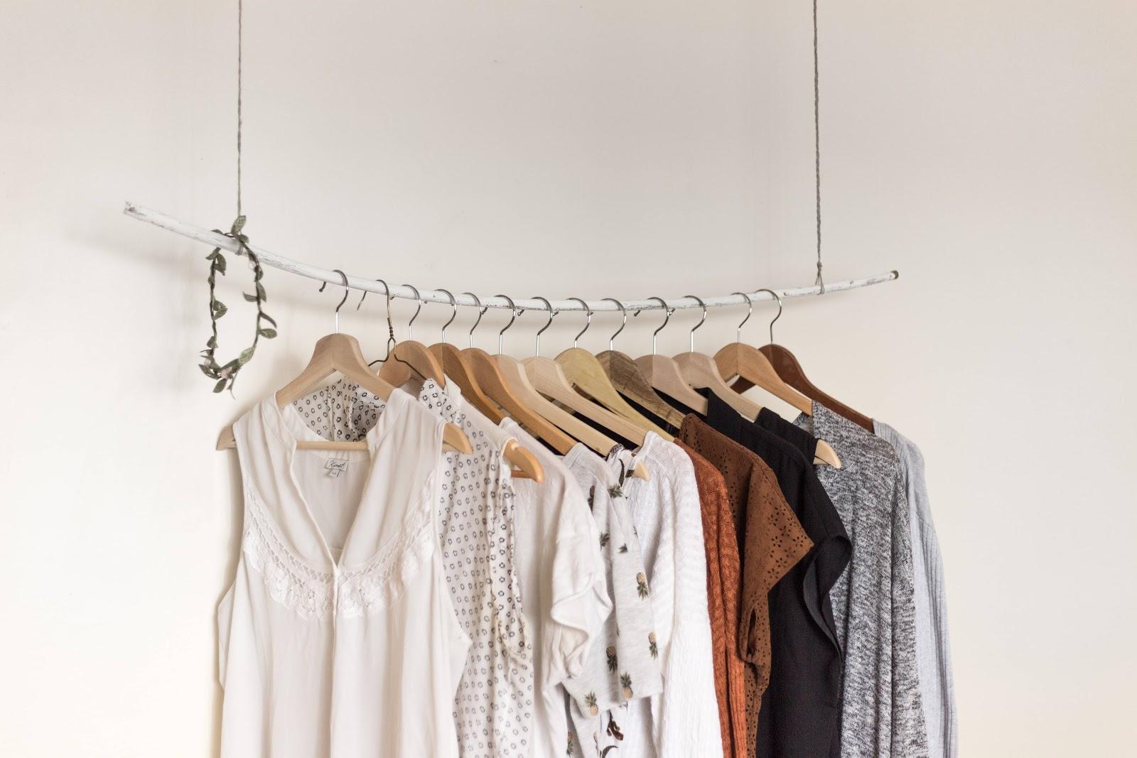 abbigliamento-femminile-colori-chiari