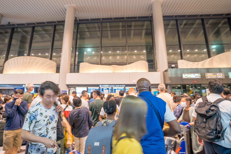 Narita Airport typhoon1