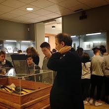 """Photo: 11/02/2015 - Gli studenti della Scuola media """"Papa Giovanni XXXIII"""" di Pianezza (To), visitano nella Biblioteca della Regione Piemonte la mostra """"Cimeli dal fronte. Gli oggetti che parlano della Grande Guerra""""."""