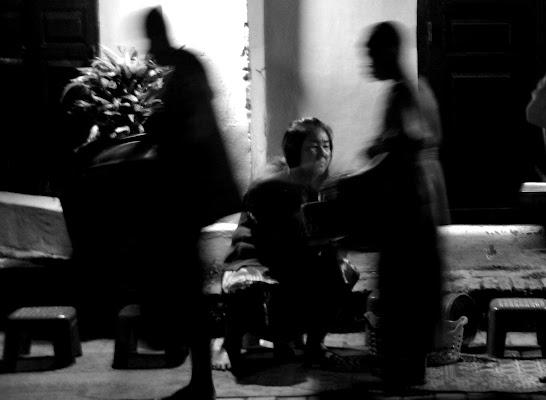 Tak-Bat - Questua dei monaci laotiani di Migliu
