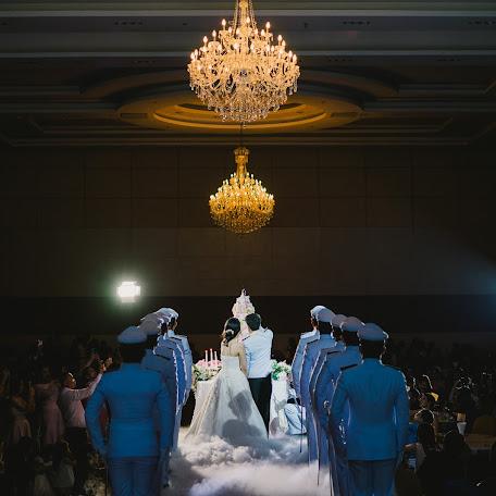 Wedding photographer Khampee Sitthiho (phaipixolism). Photo of 06.12.2017