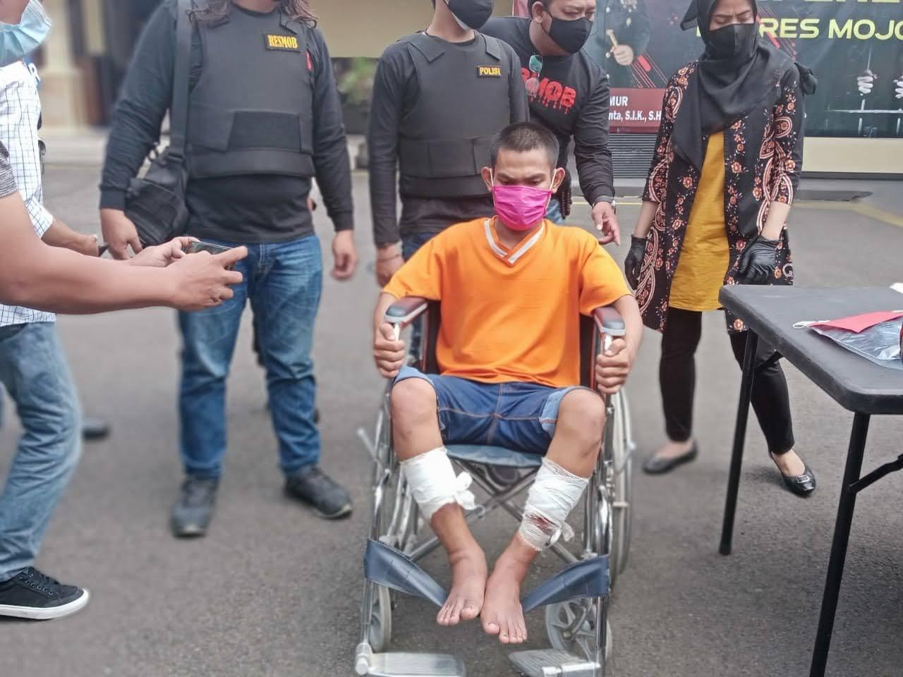Pelaku Pembunuh Terapis Pijat di Mojokerto di door Polisi