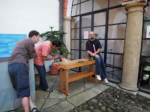 Photo: Ukázka výroby na nádvoří zámku