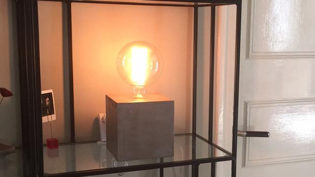 Lampe cube en béton ciré - Collection N°1