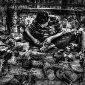 The Chappal Walla by Spencer Van Der Walt - Black & White Portraits & People ( tourist, new delhi, street, india, travel, repairs, shoe )