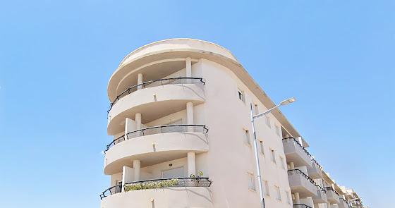 Salen a la venta casi 1.900 inmuebles en Almería con descuentos de hasta el 40 %