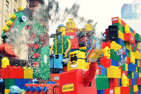 Lego Parade di viola94