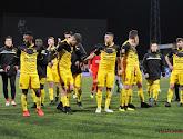 🎥 Welk virus!? Supporters wuiven spelersbus massaal uit voor Nederlandse derby