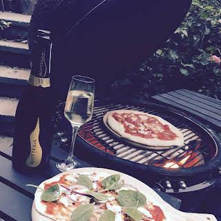 Pizza and Prosecco Night.