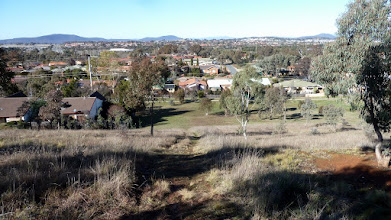 Photo: On Ngunnawal Ridge south end looking over SE Ngunnawal the way down for walkers