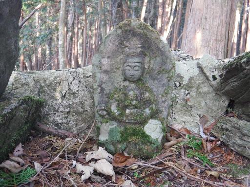 石像(帝釈天?)