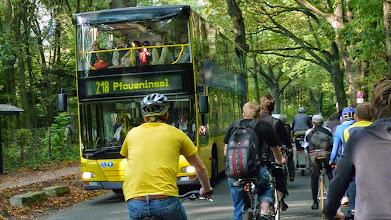 Photo: Kann schonmal eng werden... Foto: http://criticalmass.berlin
