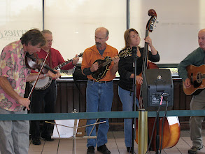 Photo: Grass Roots: Terry Ghee, Jerry Oland, Dave Angell, Mary DeBerry, Dave Cobb