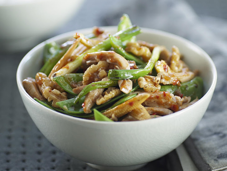 Chicken with Sugar Snap Peas and Walnuts Recipe | Yummly