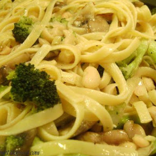 Fettuccini With Beans & Broccoli & Mushrooms