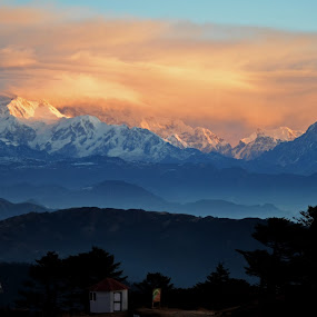 Mount Kanchenjungha by Abhishek Ghosh - Landscapes Mountains & Hills ( hill, mountain, himalaya, nature, travel )