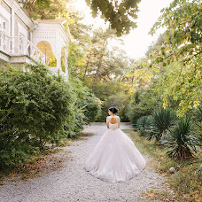 Wedding photographer Nata Rafikova (Rafi). Photo of 16.10.2015