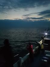 Photo: まだ「真っ暗」ですが、連休最終日ジギングスタートです!