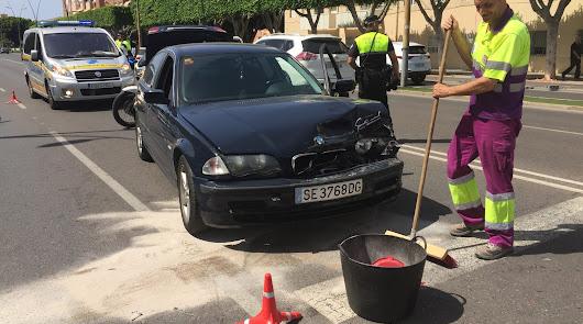 Una joven herida en un accidente en la avenida del Mediterráneo