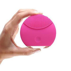 Aparat din silicon pentru curatare faciala si micromasaj. Tehnologie T Sonic.