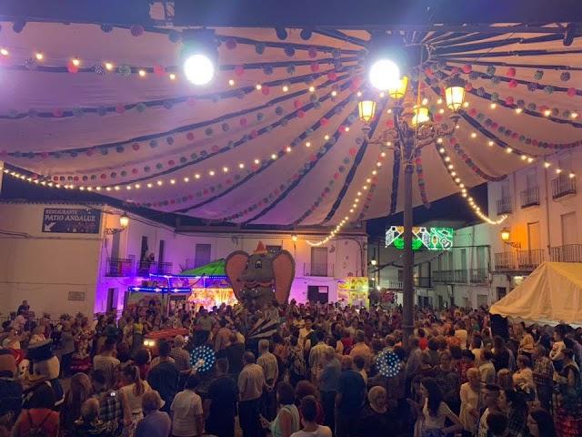 La Plaza Mayor de la Alpujarra, punto de encuentro de la Feria y Fiestas Patronales.