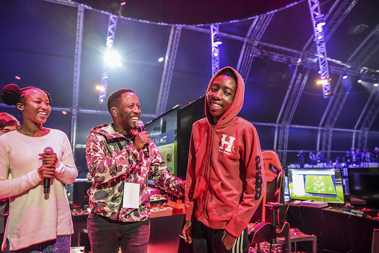 Thabo Moloi, 16 (right) took an early lead over 2017 champion to win the PlayStation 4 VS Gaming FIFA eWorld Cup qualifier champions on Sunday night.