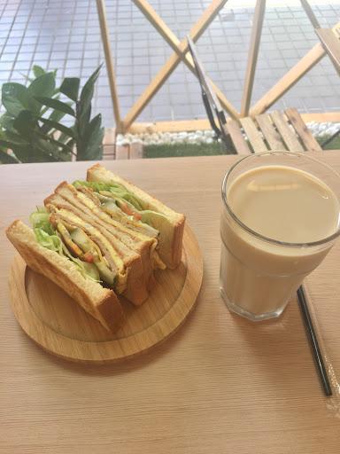 燒肉吐司🌝🌝🌝🌚🌚 鮮乳茶🌝🌝🌝🌚🌚