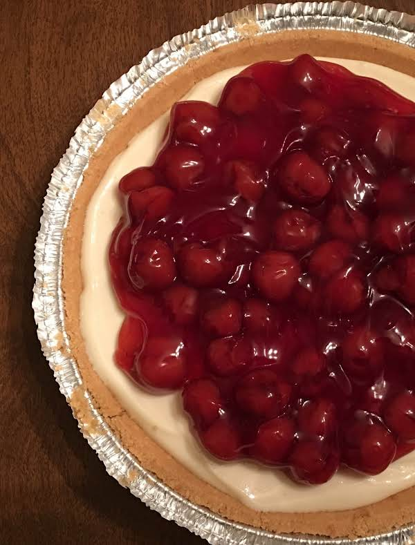Mom-mom's No-bake Cherry Cheese Pie/tarts