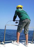 Photo: なぬー! また竹内さんに・・・! 今日のヒットアイテムは「CODEのTシャツ」か?