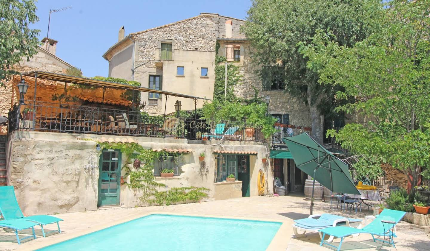 House with pool Uzès