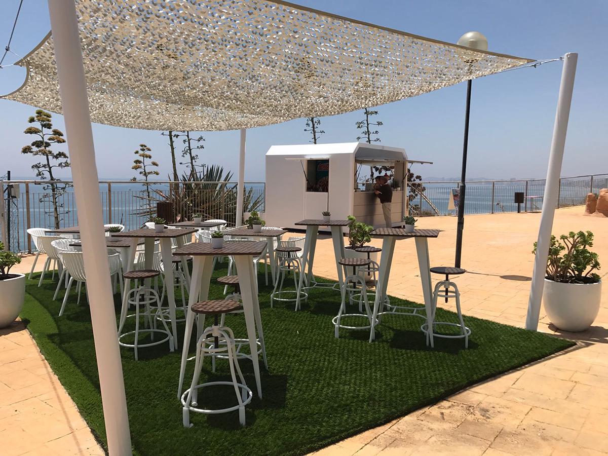 Nuevo Beach Bar en Holiday beach Club