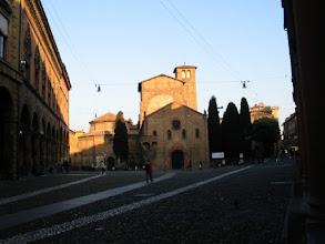 Photo: Diese Kirche (Santo Stefano) ist ein Fake: Sie tut nur so, als sei sie romanisch. Richtig, Ludwin?