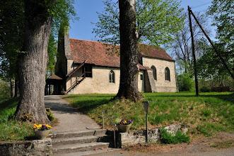 Photo: Eglise de Curtilles dédiée à St-Pierre Edifice construit entre 1055 et 1089