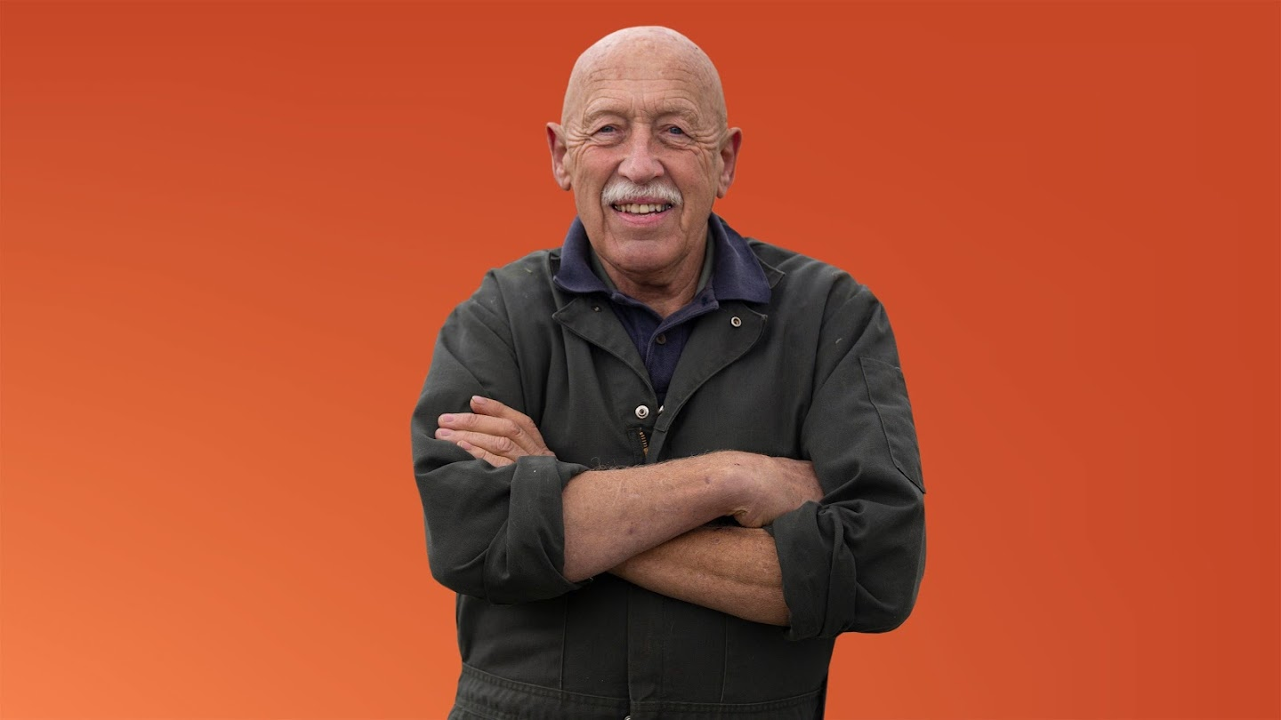 Watch The Incredible Dr. Pol live